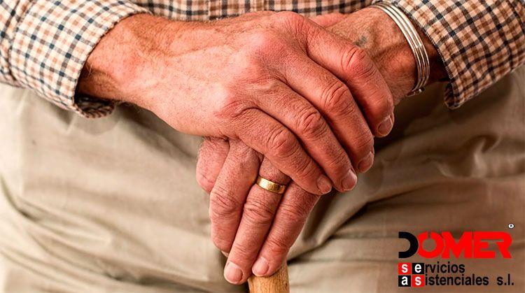 Como prevenir y evitar caídas inesperadas en adultos y ancianos